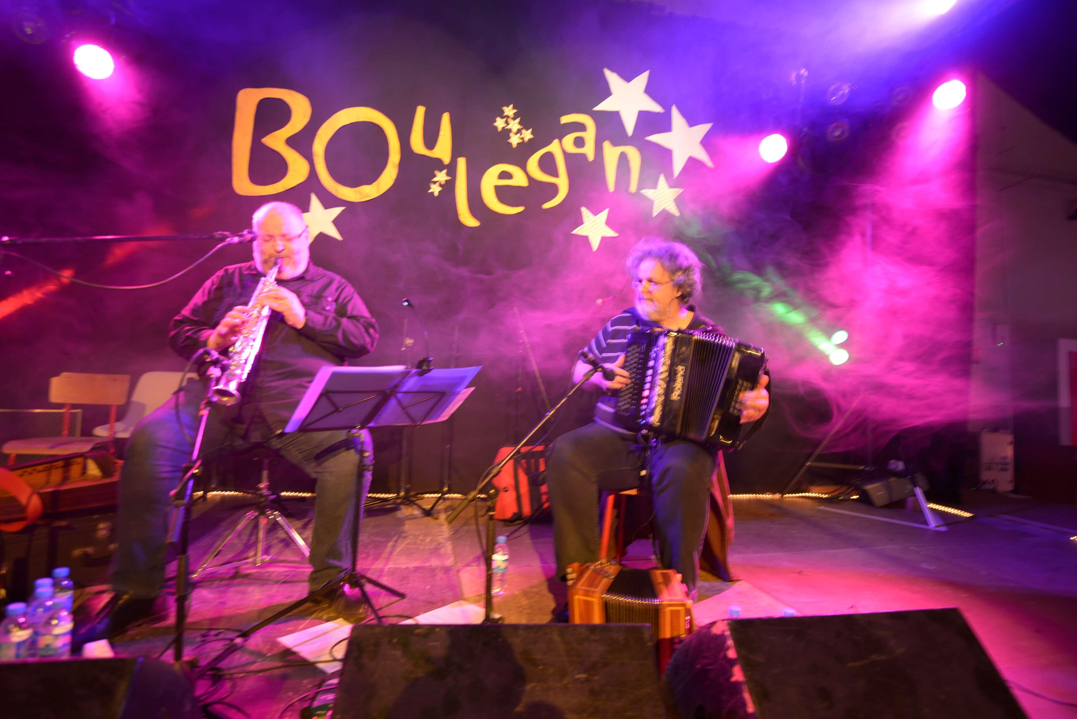 Musicien Boulegan à l'ostal